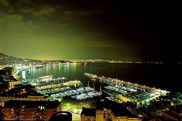 意大利南部那不勒斯夜景