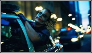 小丑坐警車