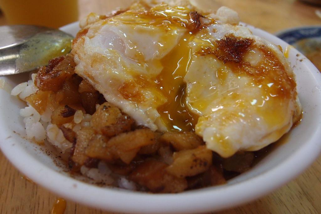 戽斗滷肉飯(城隍店)