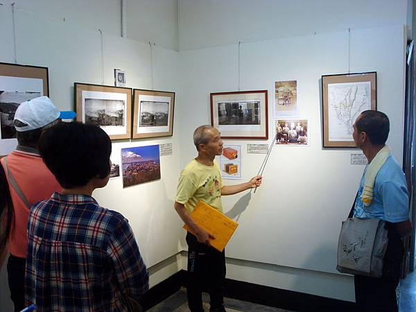 104-03-29「就是要看見台灣之美」特展開幕導覽DSC09520
