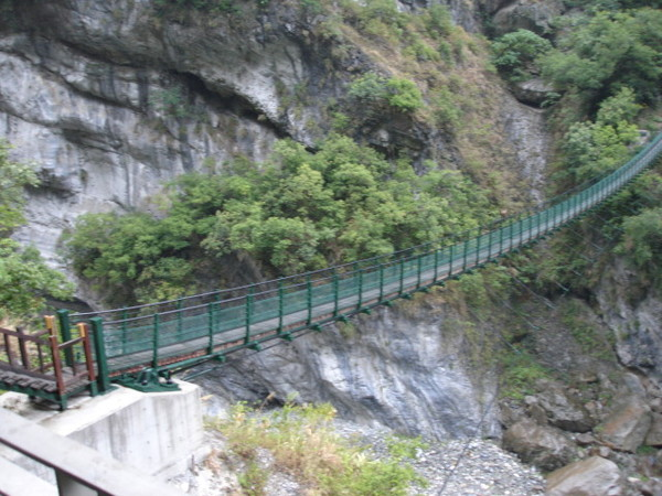 看了很可怕的吊橋