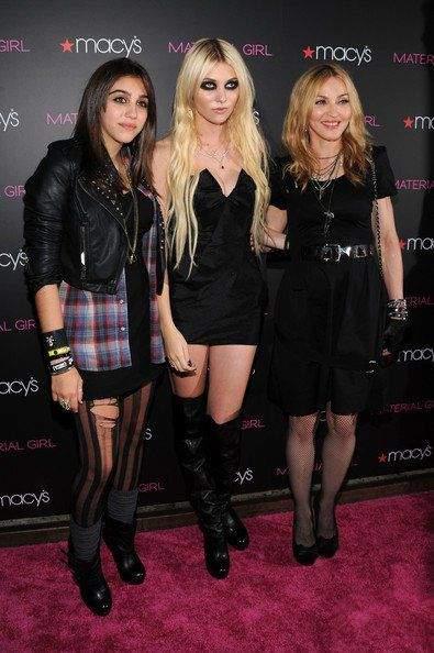 瑪丹娜與女兒驚艷亮相 如同姐妹2.jpg