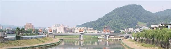 三峽拱橋拍長福橋