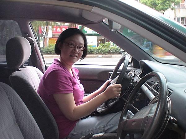 慶賀吳小姐 完成Nissan 新莊道路駕駛