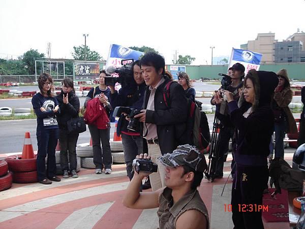 閔教練道路駕駛班-第一屆防衛駕駛課程教學花絮-美女教練教學-報名專線0930-040-677 (79)