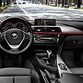 閔教練道路駕駛BMW3系列全新車款示意圖