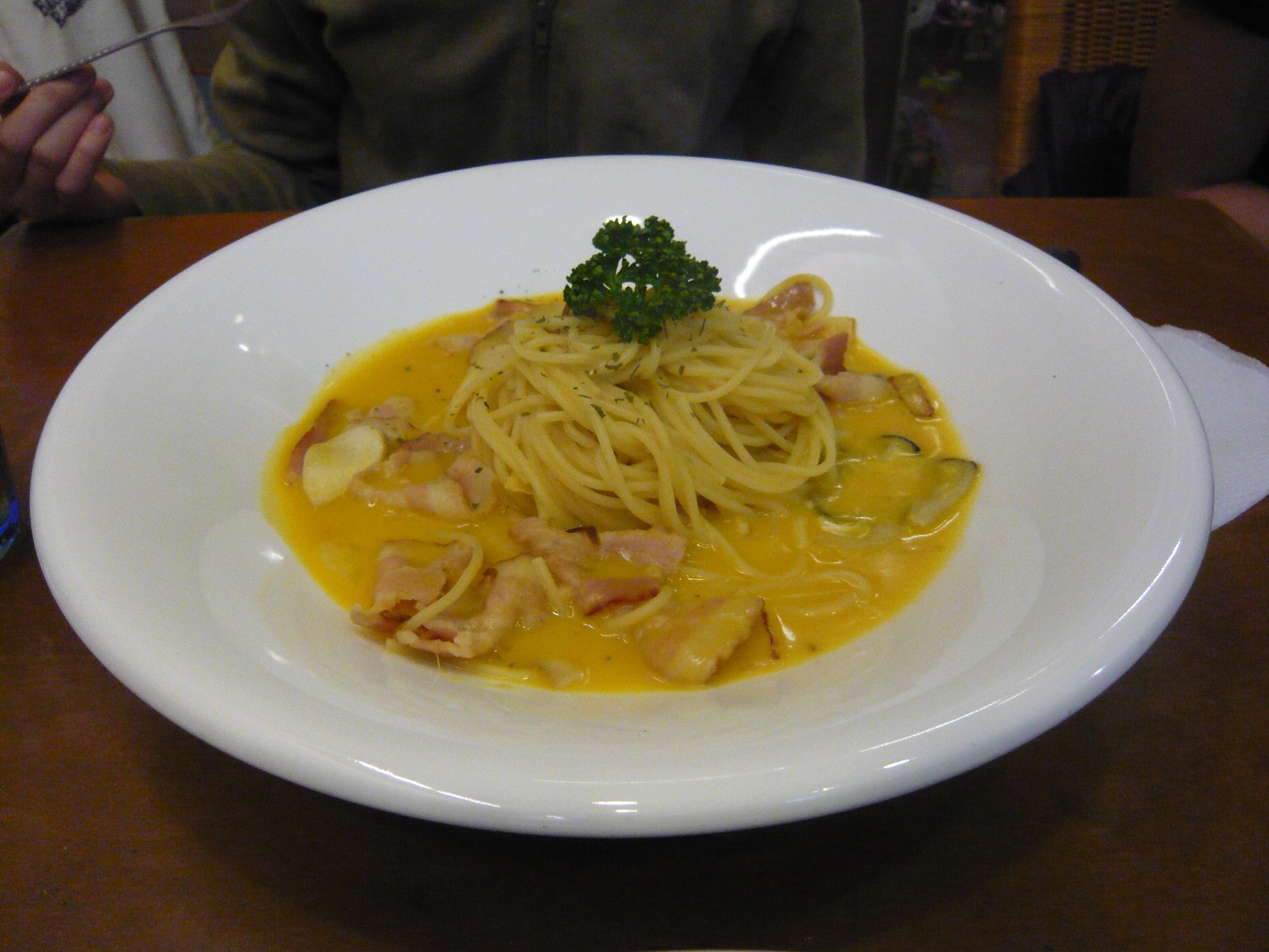 3.26聚餐繆思義式餐坊南瓜蛤犡義大利麵.JPG