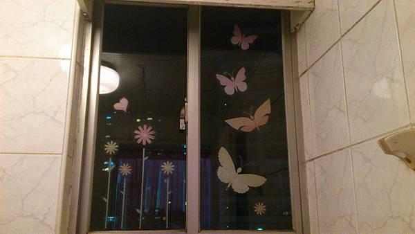 壁貼廁所窗戶