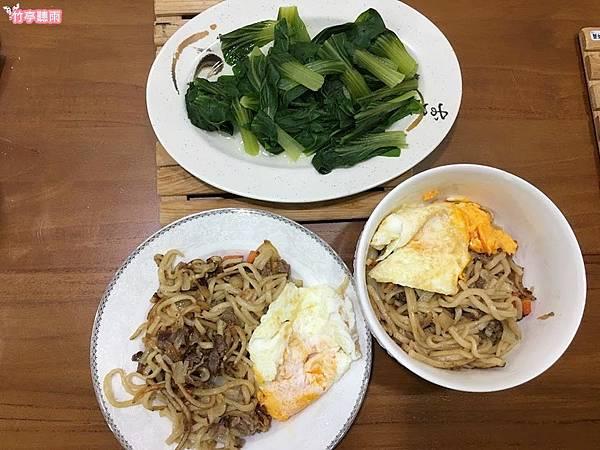 炒烏龍麵1.JPG