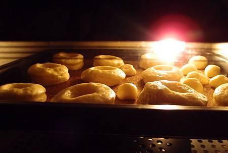 糖霜甜甜圈-10