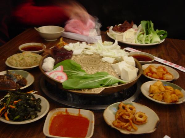 其實我不大喜歡韓國烤肉,應該是說這家的肉吃起來沒什麼價值的感覺><