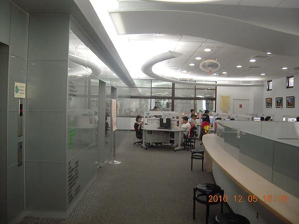 大里圖書館總館