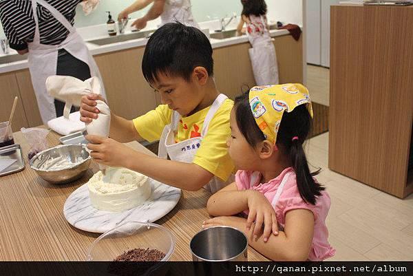 親子黑森林母親節蛋糕/大遠百巧思廚藝