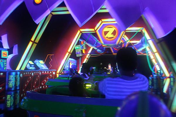 東京迪士尼樂園~明日樂園區--巴斯光年星際歷險