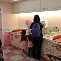 桃園機場Hello Kitty育嬰室