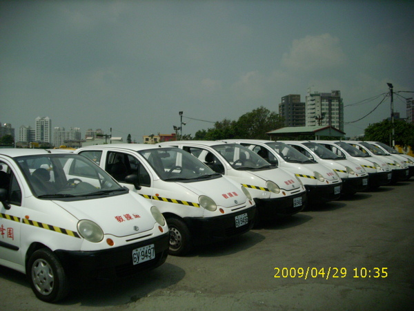 台中國峰駕訓班教練車 (2).JPG