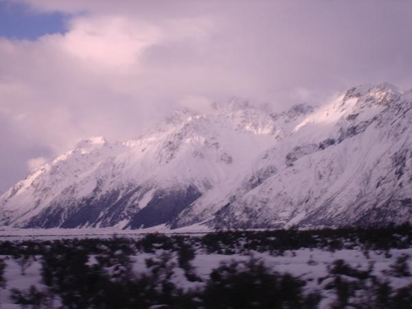 有點樣子的雪山