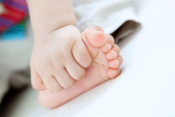 嫩嫩的小腳