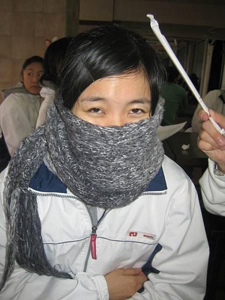 高雄也很冷。。看靖婷就知道