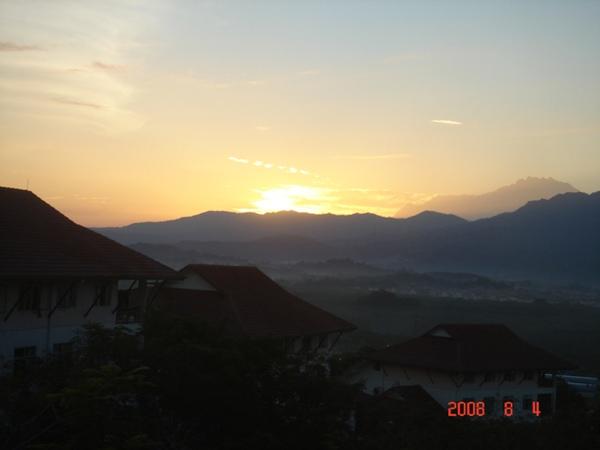 起床的太阳