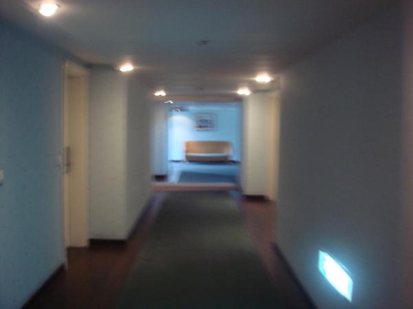 通往馬貝雅館的走廊