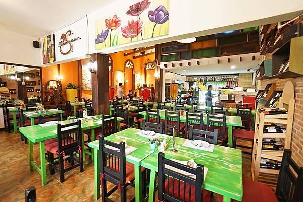 【曼谷】平價、道地、交通又方便的泰式餐廳,在地人跟觀光客都喜歡 「Madam Saranair」
