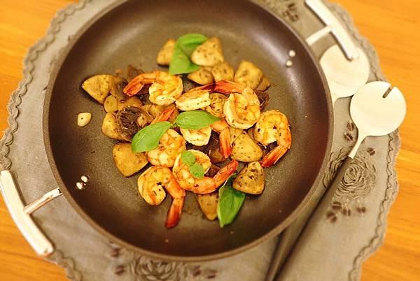 香料羅勒蘑菇蝦3.jpg