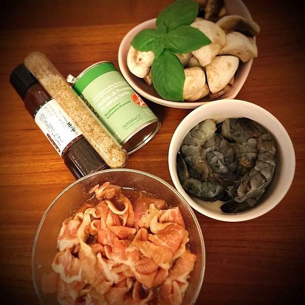 香料羅勒蘑菇蝦5.jpg