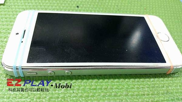 iPhone 5S電池膨脹螢幕翹起來啦