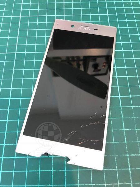 Sony XZ面板破裂
