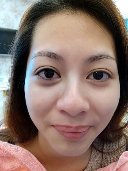 新竹接睫毛教學植睫毛種睫毛繡眉粉紅乳暈推廌0989899009卡蔓