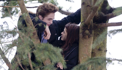 new-twilight-images-of-bella-and-edward-cut.jpg