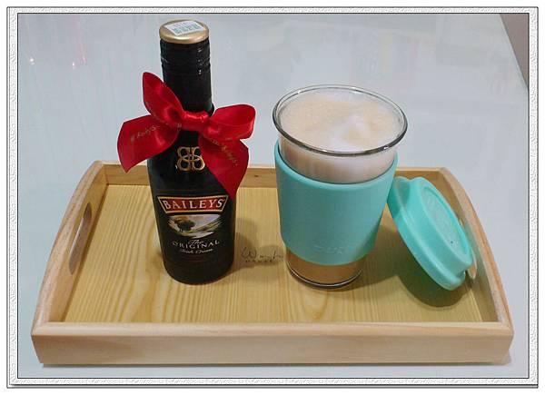 貝禮詩奶酒咖啡
