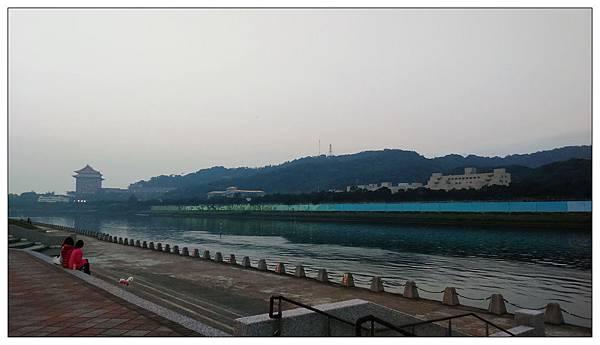 大佳河濱公園騎 Ubike
