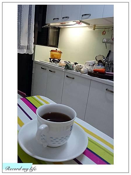 做飯也要一杯咖啡