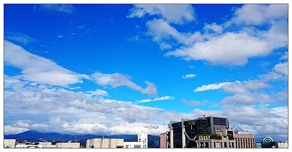 藍色天空(台北)