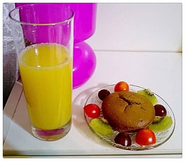 自做雞蛋糕+現榨柳丁汁