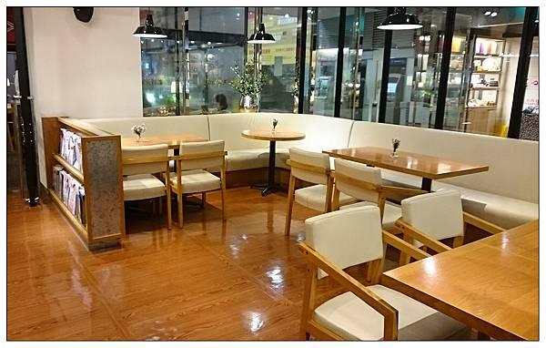 米朗琪咖啡館.信義旗艦店(新光三越A11館)