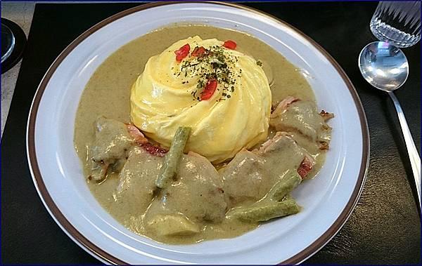陸角餐廳南洋咖哩雞歐姆蛋飯