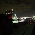 玩完仙女棒就是和碧潭橋拍照的時間嚕~