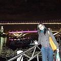 走進點在和吊橋拍幾張