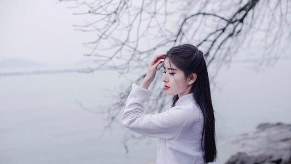 校花宜古宜今 泳裝性感古裝驚艷|天王星娛樂城|天下現金網|