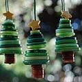 釦子做聖誕樹