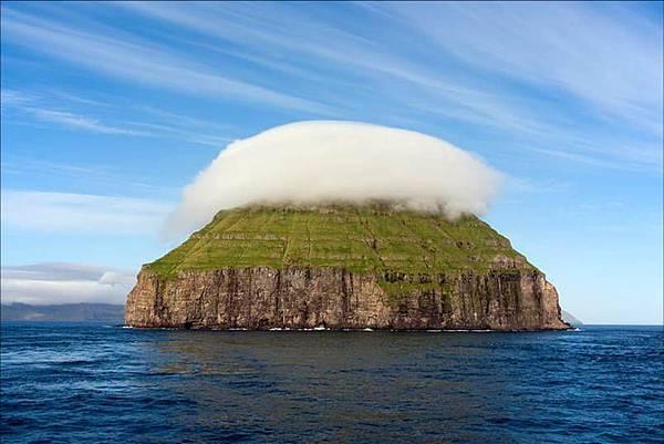 雲蓋島.jpg