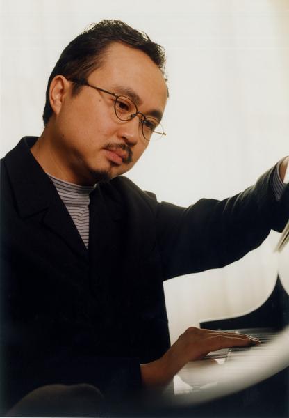 鋼琴家鄧泰山照片3.jpg