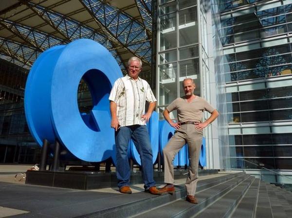 俄羅斯「琴魔」布魯尼(右,Alexey Bruni)和鋼琴家奧格林丘克