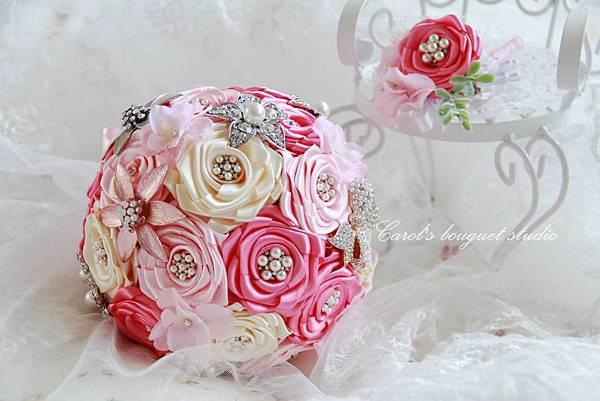 粉愛粉愛你-緞帶珠寶捧花系列