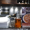 Zoe Pizza & PastaP1360569_調整大小1.JPG