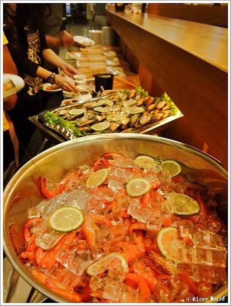 東方渡假酒店自助餐P1380046_調整大小1.JPG