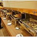 東方渡假酒店自助餐P1380051_調整大小1.JPG